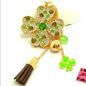 NWT🍀 Betsey Johnson Crystal Lucky Clover Necklace